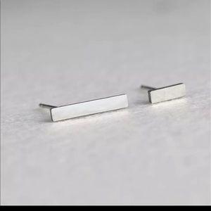 🌈 3/$45 🌈 🆕 Asymmetric silver bars studs